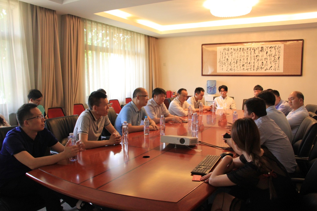 """协会组织会员单位赴北京参加""""京交会""""并考察电子商务"""
