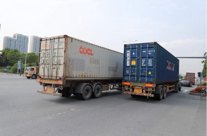 电商推动大件物流发展 UPS与FedEx计划加收大包裹处理费