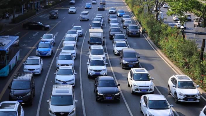车企发力网约车 新机遇还是新围城?