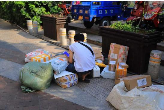 国家邮政局:十一假期全国快递业务量增长超5成